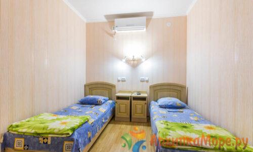Отдых в частном секторе не далеко от моря в архипо-осиповке гостиница Бриз